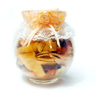 Dried apples add a comforting, warm touch to any potpourri.