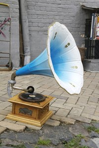 Play 1920s music on vintage phonograph to give the party an authentic touch.