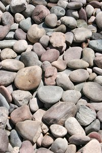 Heated river rocks are a good way to purify rainwater