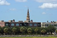 A skyline view of Charleston, South Carolina from the bay.