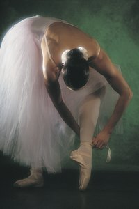 Romantic length tutus are created to be longer and lighter than other tutu styles.