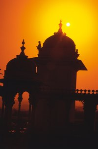 Udaipur's palaces offer an insight into the opulence of the maharajahs.