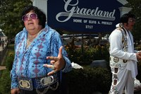 A pair of impersonators at the gates of Graceland during its 30th anniversary celebration in 2007.