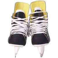 Recycle your hockey laces by making a shoelace necklace.