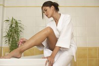 Use a shaving cream or gel to prevent leg acne.