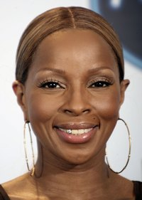 Mary J. Blige sports a tooth gem at the American Idol Season 5 finale.