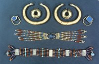 Ancient Egyptian jewelry and art have inspired more modern designs.