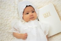 Make a christening gown to customize it for the child.
