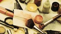 How to Become a Cosmetic Distributor
