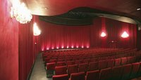 What Are the Duties of a House Manager in a Theater?