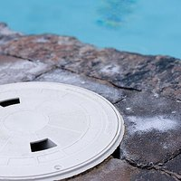 How to clean a swimming pool filter ehow for How to clean swimming pool filter