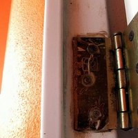 How to fix a sagging house door ehow for How to fix a sagging exterior door