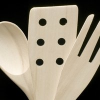 Spanish cooking utensils ehow for Kitchen utensils in spanish