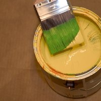 how to remove oil based paint from hands ehow. Black Bedroom Furniture Sets. Home Design Ideas