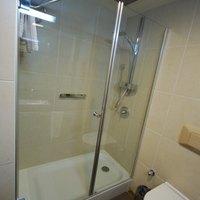 how to remove shower doors tracks ehow. Black Bedroom Furniture Sets. Home Design Ideas