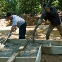 How to pour concrete in hot weather ehow for Best temperature to pour concrete
