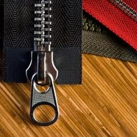 how to repair a clothing zipper that won 39 t zip up ehow. Black Bedroom Furniture Sets. Home Design Ideas