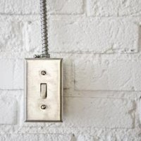 How to Wire a 15A 120V Cooper Light Switch 1301-7W | eHow