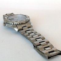 How to Shorten a Metal Watch Strap