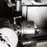 how to use lathe machine