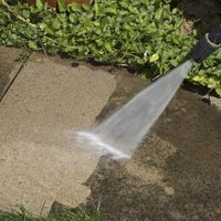 How to use muriatic acid to clean concrete ehow for Trisodium phosphate for cleaning concrete