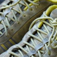 How To Clean Stained Tennis Shoes