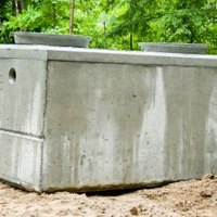 How to prevent septic tank smell ehow for Septic tank fumes in house