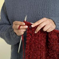 How to Make a Scarf With Large Knitting Needles eHow