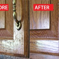 How to clean grease from kitchen cabinet doors ehow for Best cleaning solution for greasy kitchen cabinets