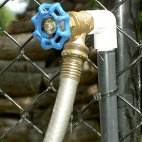 How To Cap An Outdoor Faucet Ehow