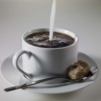 how to clean coffee stains from mugs ehow. Black Bedroom Furniture Sets. Home Design Ideas
