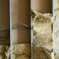 Rock wool insulation vs fiberglass insulation ehow for Cost of mineral wool vs fiberglass insulation