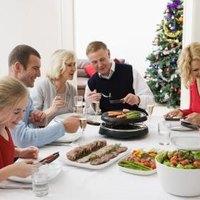 Simple Ideas for a Christmas Eve Dinner | eHow