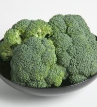 Per serving size, fresh broccoli contains more fiber than whole wheat bread, green beans and cauliflower, among many more plant-based foods. In ...
