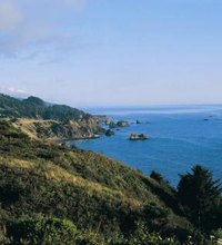 "Known for its warm, ""short sleeve"" weather and sweeping views of the coast, Brookings is a seaside town in Oregon's Banana Belt region. ..."