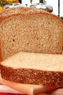 Wheat bread made from the whole grain provides fiber.