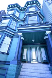Finding an apartment in a place like San Francisco can be a challenge.