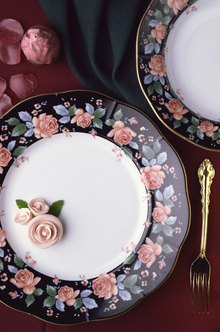 Many people collect and use porcelain dishes.