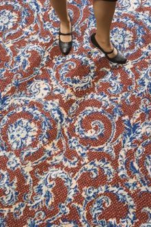 A carpet with a noticeable pattern must be aligned properly before cutting the seam edges.