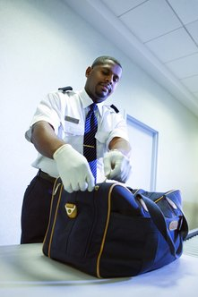 Some federal law enforcement officers hold an associate degree.