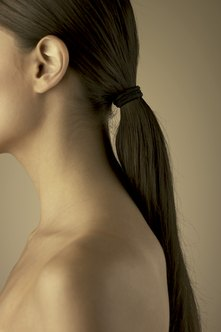 A simple and neat ponytail is ideal for women during an interview.