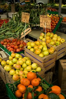 A farmers' market can be operated as a cooperative business.