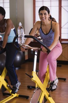 Spinning class can help you improve your physique and fitness level.