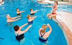 Stomach Exercises in the Swimming Pool