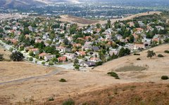 What Are the Causes of Urban Sprawl?