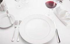 How to Arrange an Informal Place Setting