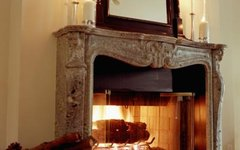 How to Decorate a Mantel With Hurricane Candle Holders