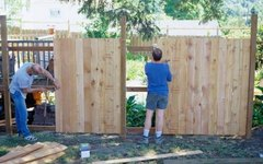 How to Estimate Wood Fence Stain