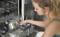 How to Freshen a Dishwasher