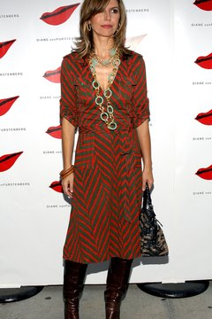 Style maven Finola Hughes knows how to rock a wrap dress and boots.